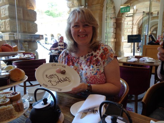 Baslow, UK: Happy Birthday to me X Lovely touch!
