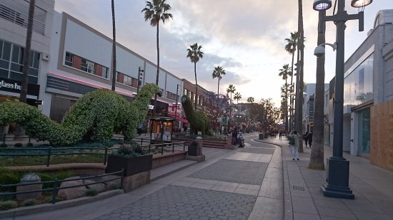 Third Street Promenade: Third St Promenade