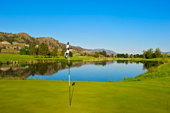 Kamloops, Canada: 10th Green, looking backward toward the Keekwillie Clubhouse