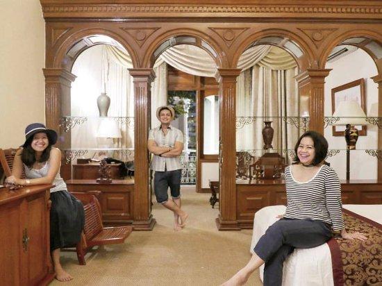 Hotel Continental Saigon Photo