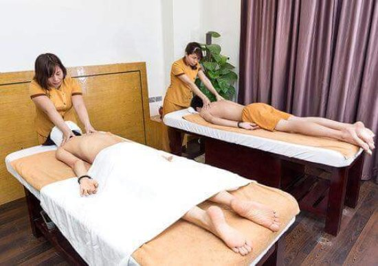 Good Hathi Julia Spa: Foot And Body Massage Rooms,traditional Wooden Tub Soaking  Or Soak