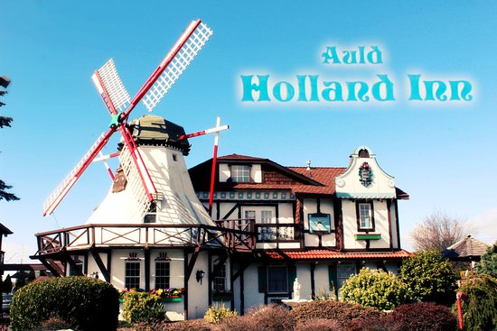 Auld Holland Inn: Our beautiful windmill on a summer day.