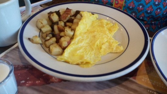 Merrillville, IN: Omletter with home style fries