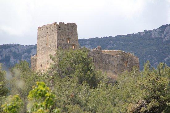 Alcoy, Spain: Замок с дороги