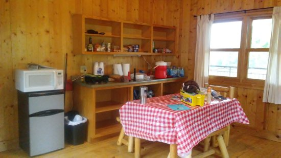 Middle Brook, MO: Inside the Cabin