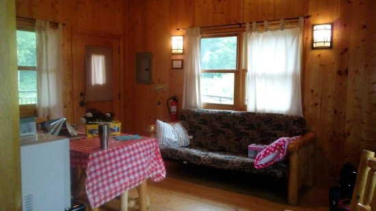 Middle Brook, MO: Inside the cabin.