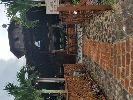 Riverside Castle Restaurant: QUE LUGAR LINDO Y LA ATENCION SUPER BUENA!