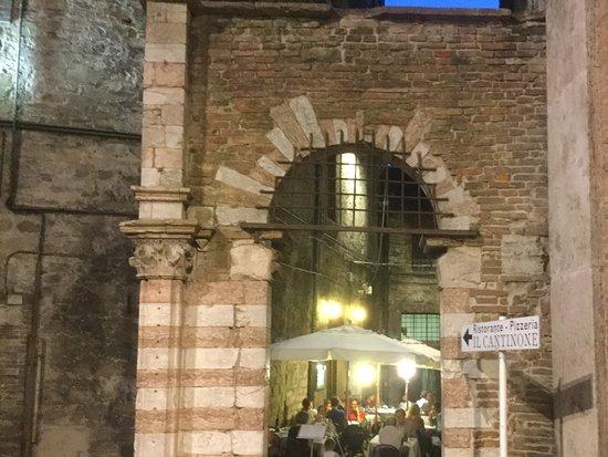 Il Cantinone : Entrance