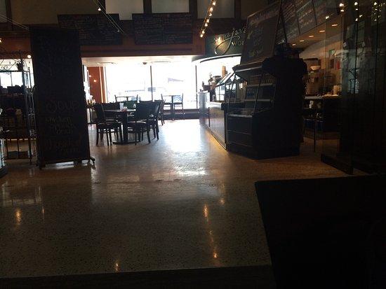 Manna Java World Cafe: Cafe in the Roshek Building.