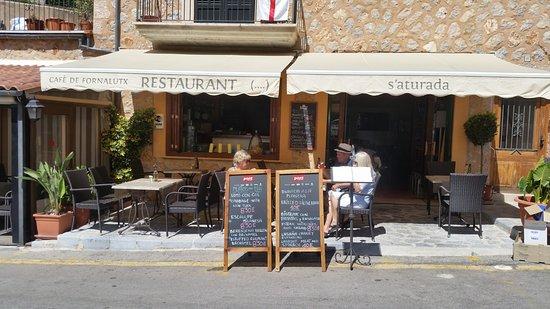 Fornalutx, Spain: Sa Aturada - lige på vejen