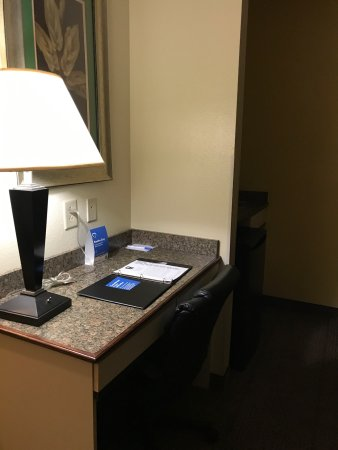 Comfort Inn & Suites: photo2.jpg