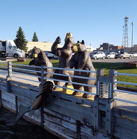 Roberta Bondar Park : Fishing bear (too early for the fishing rod!) and his buddies.