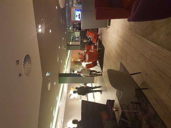 Holiday Inn Munich - City Centre: TA_IMG_20170608_214853_large.jpg