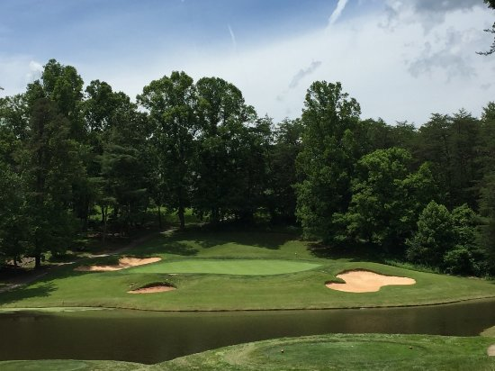 ‪‪Weaverville‬, ‪North Carolina‬: Only par-3 on front nine - 6.‬
