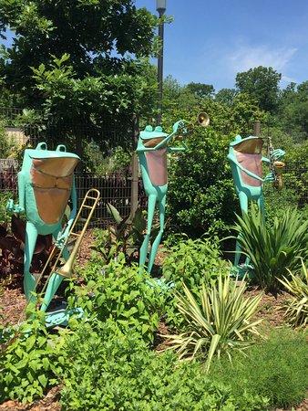 Frog on turtle sculpture - Picture of Atlanta Botanical Garden ...