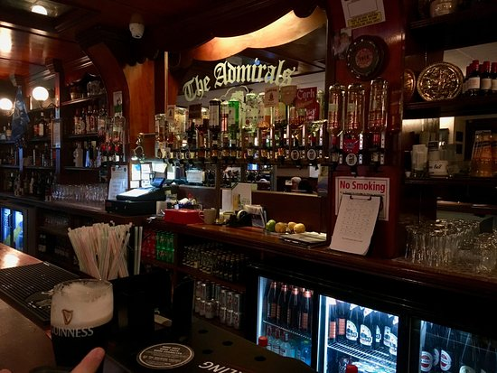 Drogheda, Ireland: inside The Admiral Pub