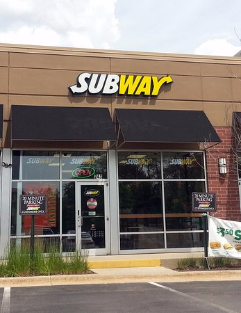 Wheeling, IL: front of & entrance to Subway