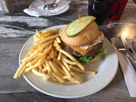 Three Valley Gap Burger and Fries