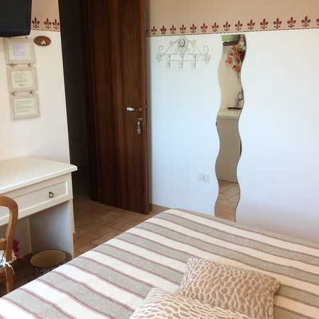 Bed and Breakfast Monticelli: Camera ROMANTICA