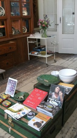 Magasin Horaz: Cook Books And Ceramics, Cabinets At The Rear