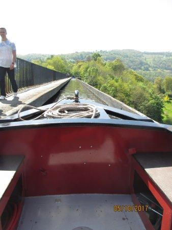 Whitchurch Marina: crossing Pontcysyllte Aqueduct