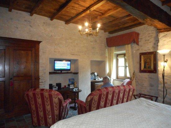 Hotel Castello di Sinio Foto