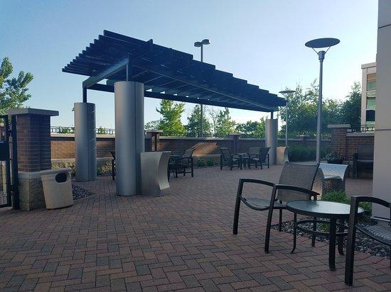 Courtyard Minneapolis Maple Grove/Arbor Lakes: TA_IMG_20170608_182655_large.jpg