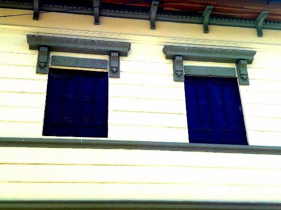 Plaza Del Chorro Del Quevedo : ventanas centro hisotorico