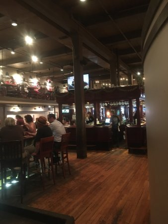Downtown Grill & Brewery : photo2.jpg