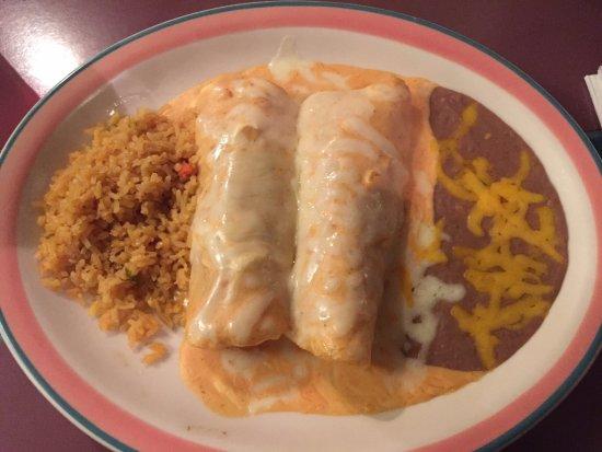 Sumner, WA: 2 enchiladas al a crema