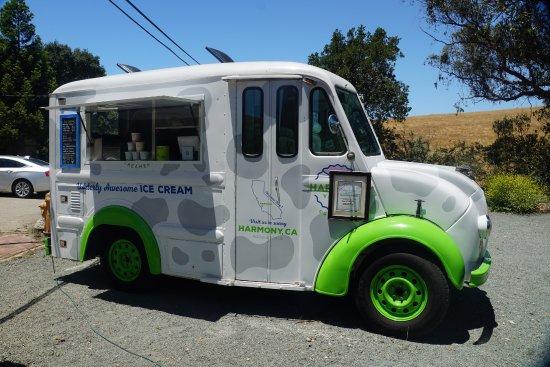 Harmony, Kaliforniya: Udderly Awesome Ice Cream