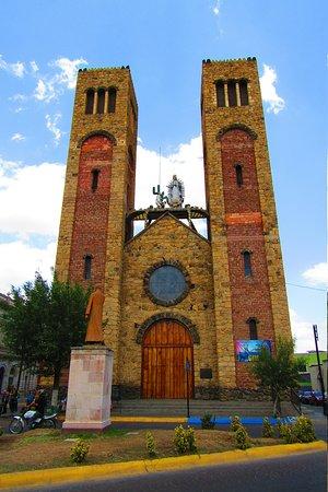 Hidalgo del Parral, Meksyk: Bonitas y Llamativas Torres