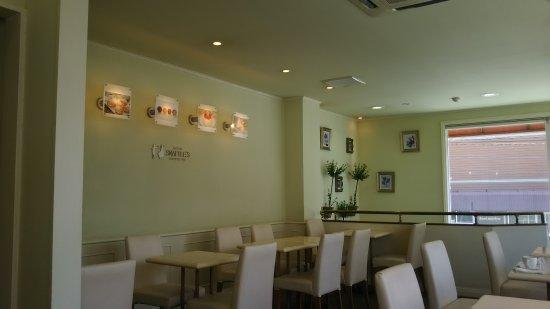 Pastry Snaffle's, Takaoka: DSC_1933_large.jpg