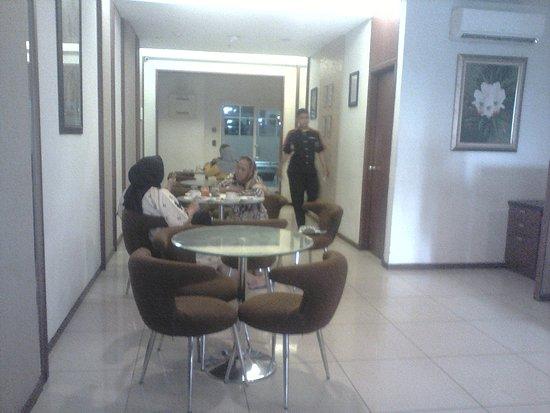 Thamrin Residence Condotel: di restorannya