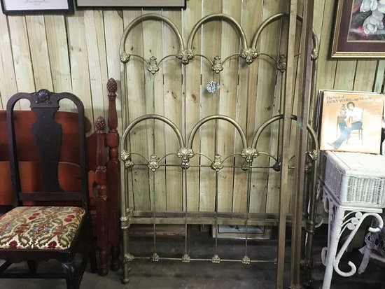 Treasures and Beyond Antiques: Solid heavy iron bed with rails!