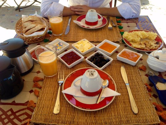 Riad Naila : Very nice breakfast, served on the terrace