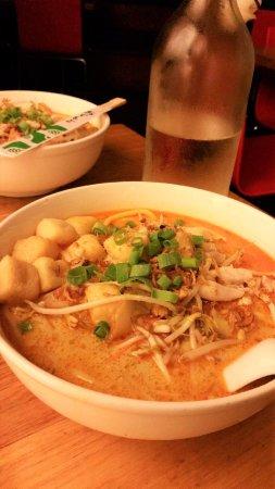 Madame Wu's Noodle Bar: laksa!