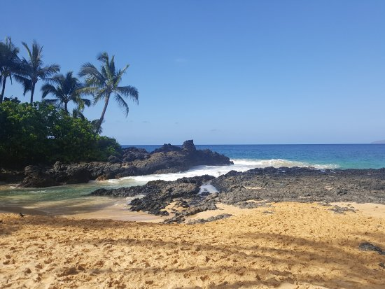 Pa'ako Beach (Secret Cove): See the passageway between the lava rocks? Seems mellow but the waves come in strong.