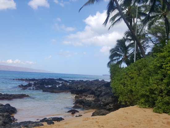 Pa'ako Beach (Secret Cove): This is the right side passageway. Again, looks mellow but the waves come in hot.