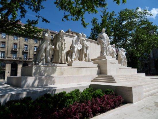Statue of Lajos Kossuth: photo1.jpg