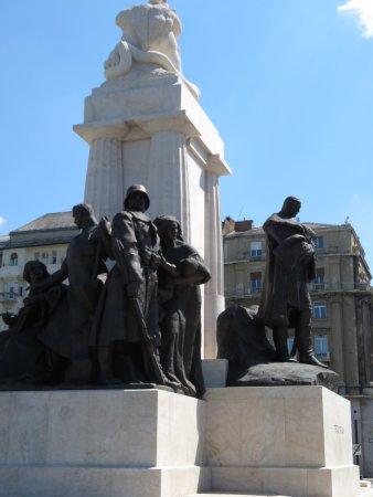 Statue of Lajos Kossuth: photo3.jpg