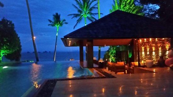 Lipa Noi, Tailandia: 20170604_185922_large.jpg