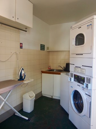 Kings Park Motel: On-site laundry