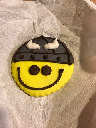 Sluys Poulsbo Bakery: Viking Cookie
