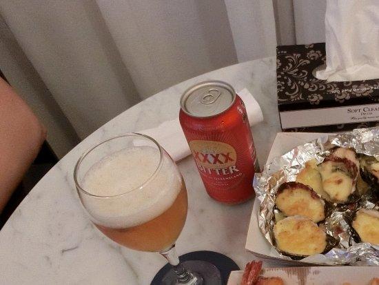 Peter's Fish Market: フィッシュ&チップスとカラマリ、牡蠣のグリルで部屋飲み