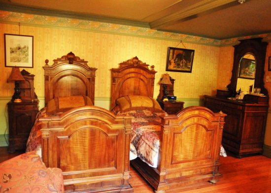 Albion Manor Bed and Breakfast: Oscar Wilde - interiors of the room