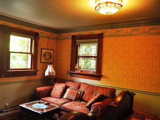 Albion Manor Bed and Breakfast: Oscar Wilde - sitting area