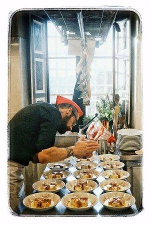 Montorgiali, Italien: Il pranzo è quasi servito