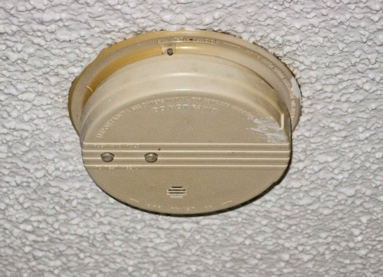 Elk City, OK: Very Old smoke detector in room, beeped all night