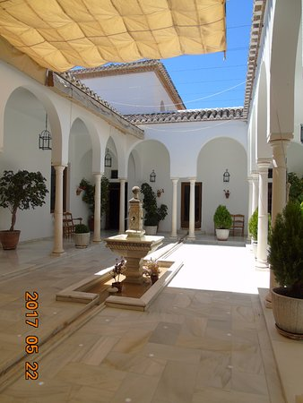 Hotel Villa de Priego de Cordoba: Patio andaluz